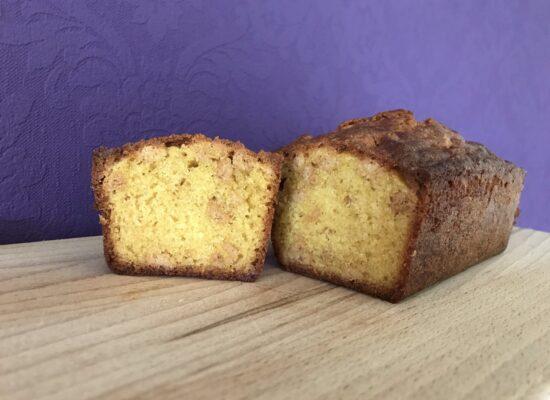 Laat de cake afkoelen in het blik, eenmaal afgekoeld.... Eet smakelijk!